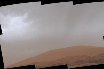 好奇号火星车拍摄到火星奇妙的彩色云层